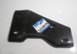 Suporte parachoque traseiro lado motorista - Silverado 1997 a 2002