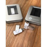 Kit Pen Drive 4GB Full Color Branco  + Case Metal G Personalizados