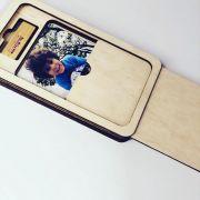 Kit Pen drive 8GB Retang bambu + Case Madeira p/ Foto 10x15 Wood Frame 5
