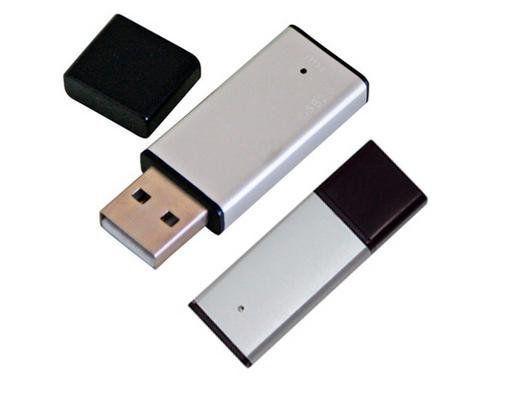 Mini Pen Drive 4GB de Metal Prata com Tampa Preta Personalizado