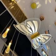 Pendente Borboleta Dourada de Acrilico 27cm LED 8W 3200K Bivolt