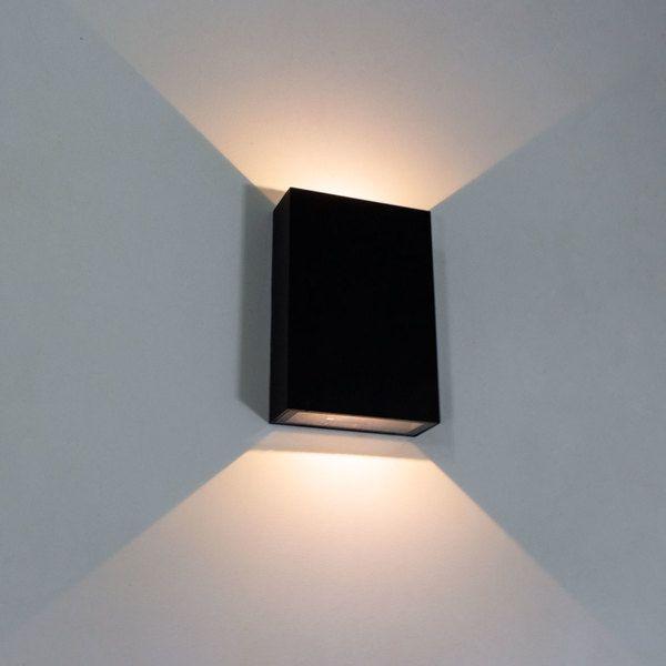 Arandela LED Preta LED 4W 3000K 12cm Muro Parede Externa Delis