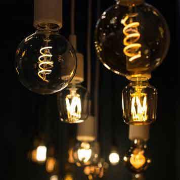 Lâmpada Vintage Filamento LED G95 4W E27 Bivolt Retro