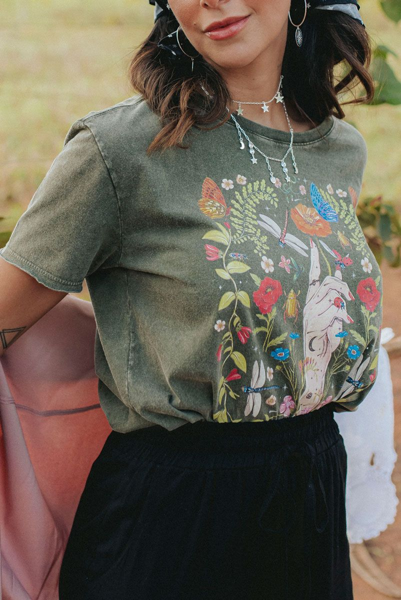 Camiseta Box Botânica Mão