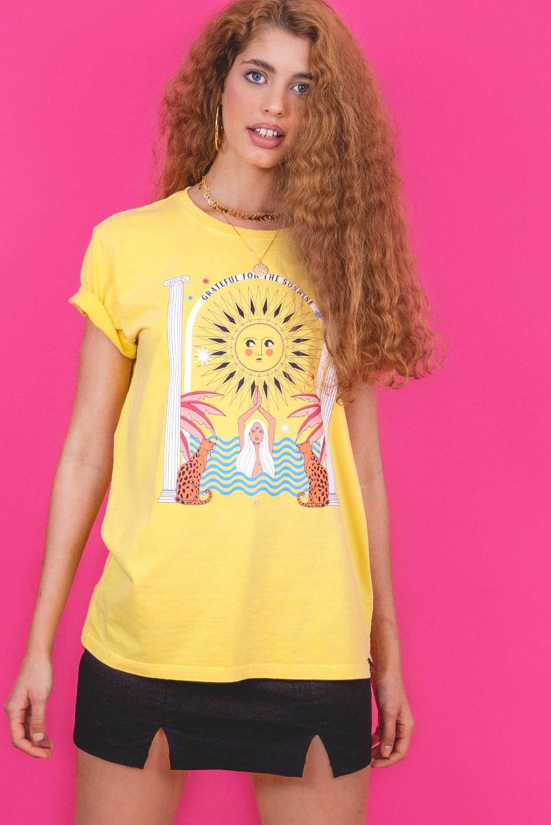 Camiseta T-shirt Amarela Sunrise