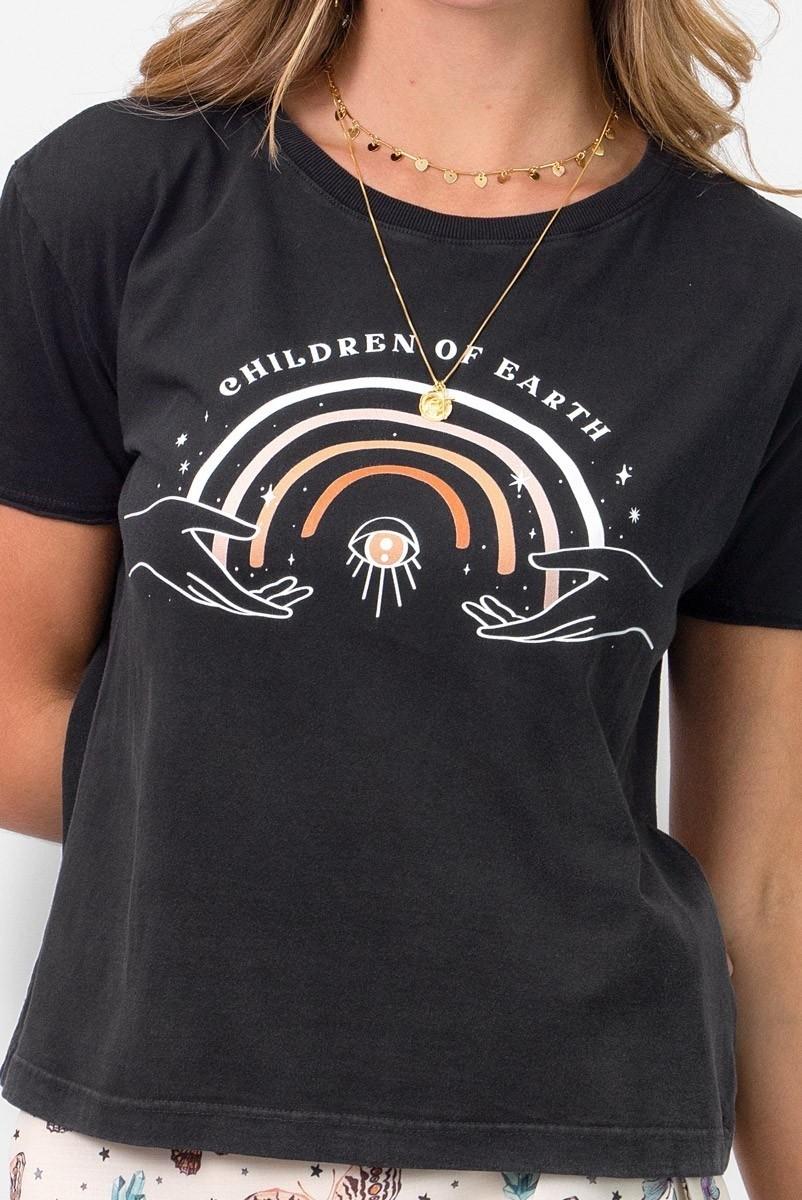 Camiseta T-shirt Arco Íris Children Of Earth