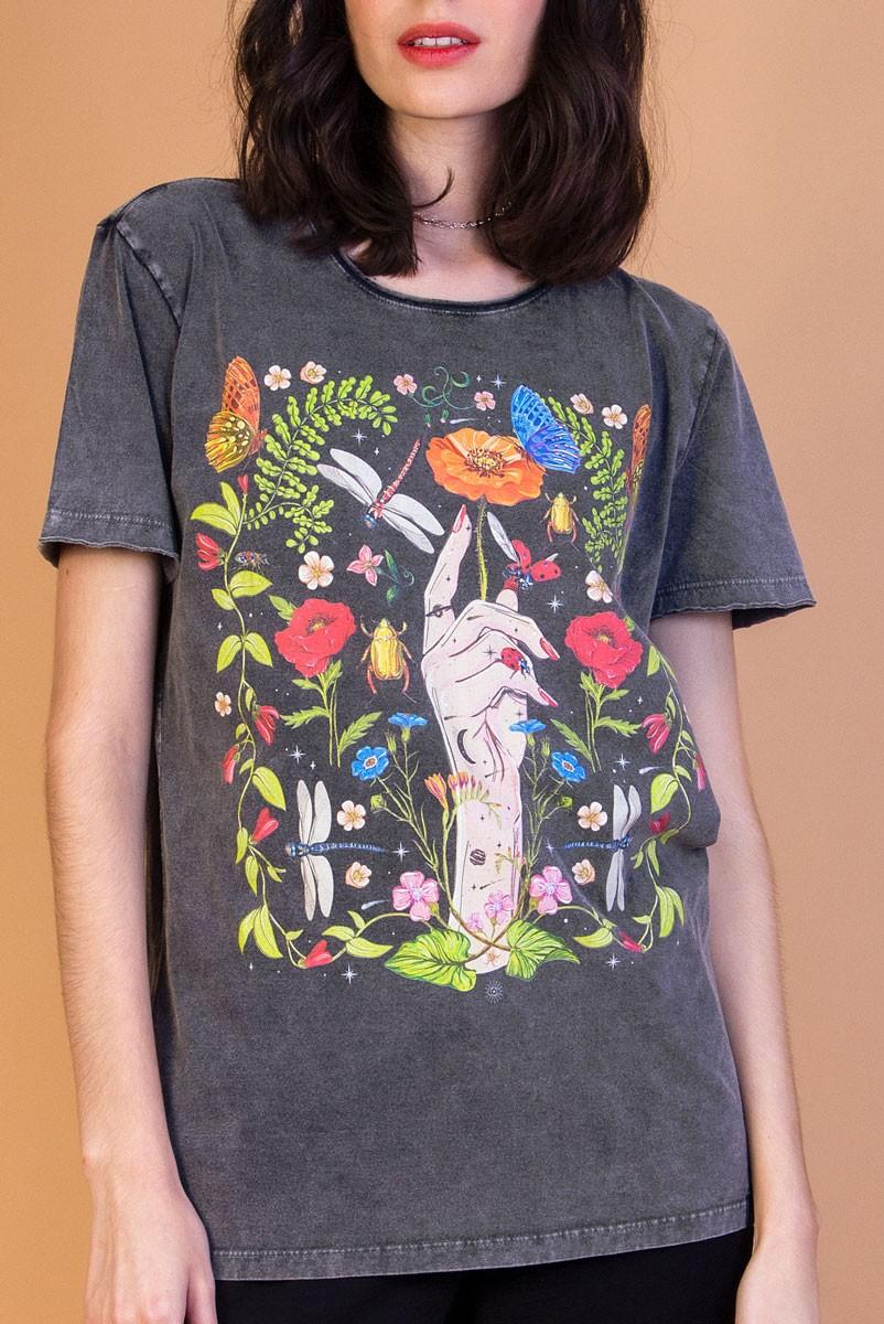 Camiseta T-shirt Botânica Escura