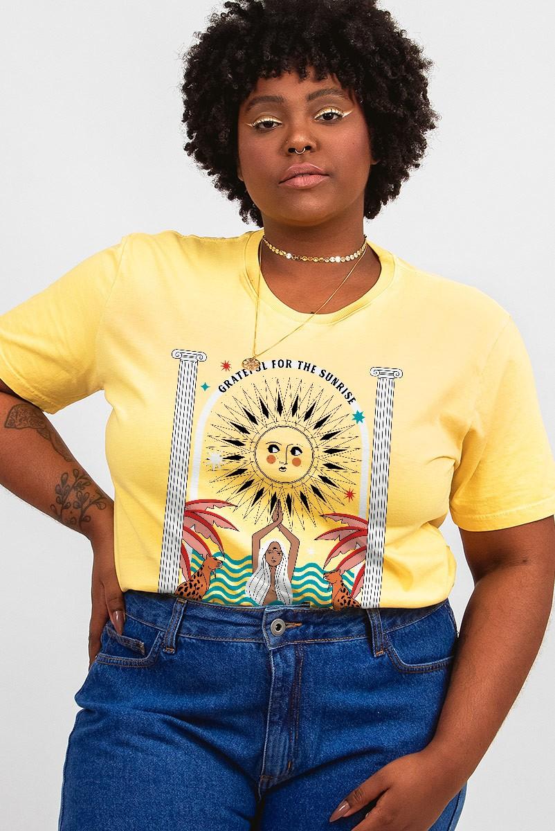 Camiseta T-shirt PLUS Amarela Sunrise