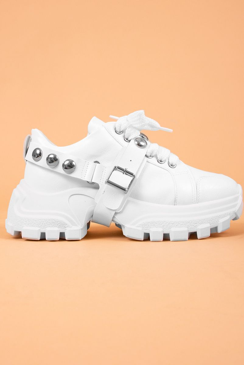 Tenis Branco Tachas Kate