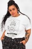 Camiseta T-shirt PLUS Branca Daughter Of The Sun