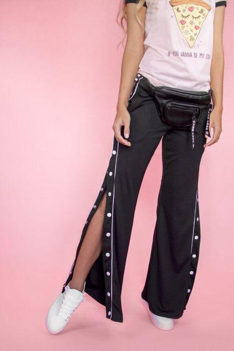 Calça Pantalona Aberta Botões Laterais