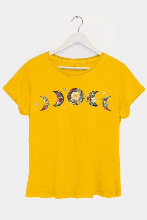 Camiseta Baby Look Mostarda Lua c/ Flores