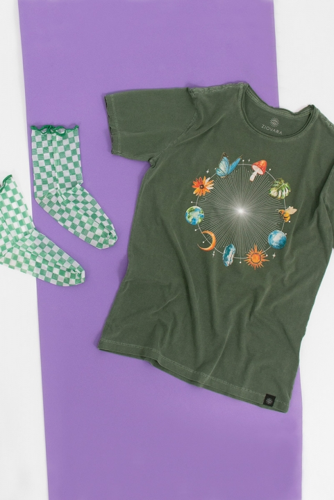 Camiseta T-shirt PLUS Gifts Of Mother Earth
