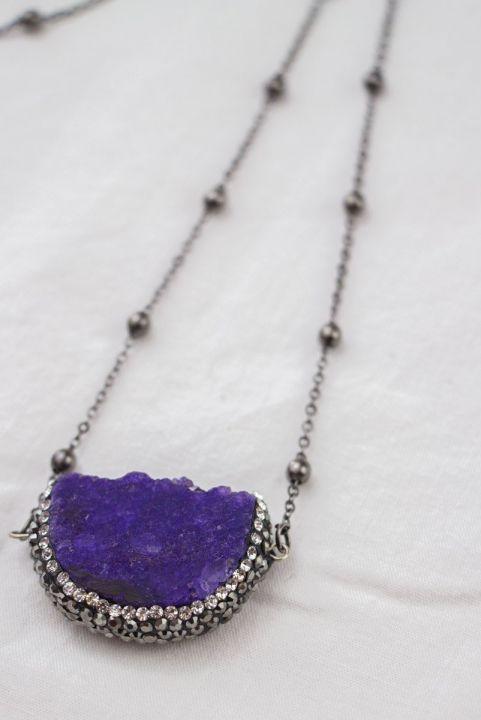 Colar Longo Pingente Pedra Violeta