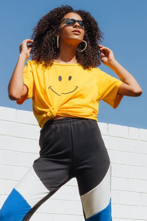 T-shirt Smiley Face Amarela