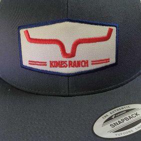 Boné Kimes Ranch Aba Reta Regulagem Snapback Cinza Branco