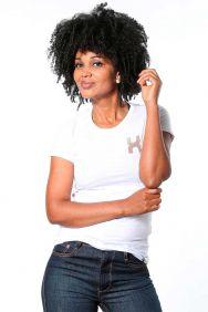 Camiseta TXC Feminina Manga Curta Branco com Logo Colorida