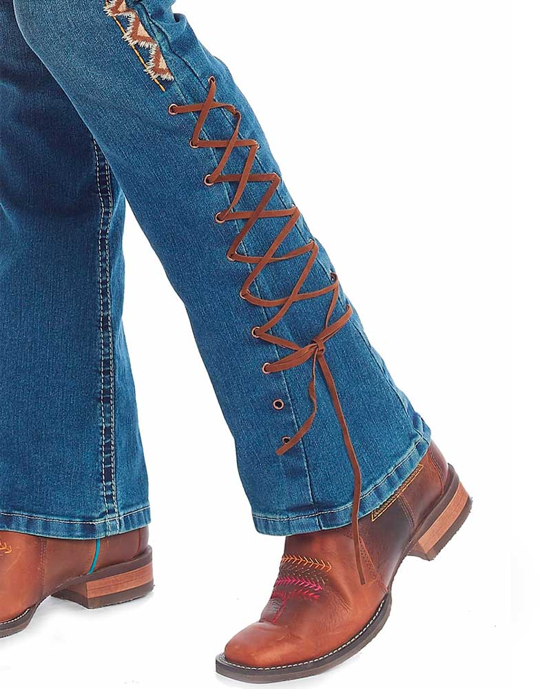 Calça Jeans Tassa Feminina Flaire Boot Cut Ilhós e Fita de Couro