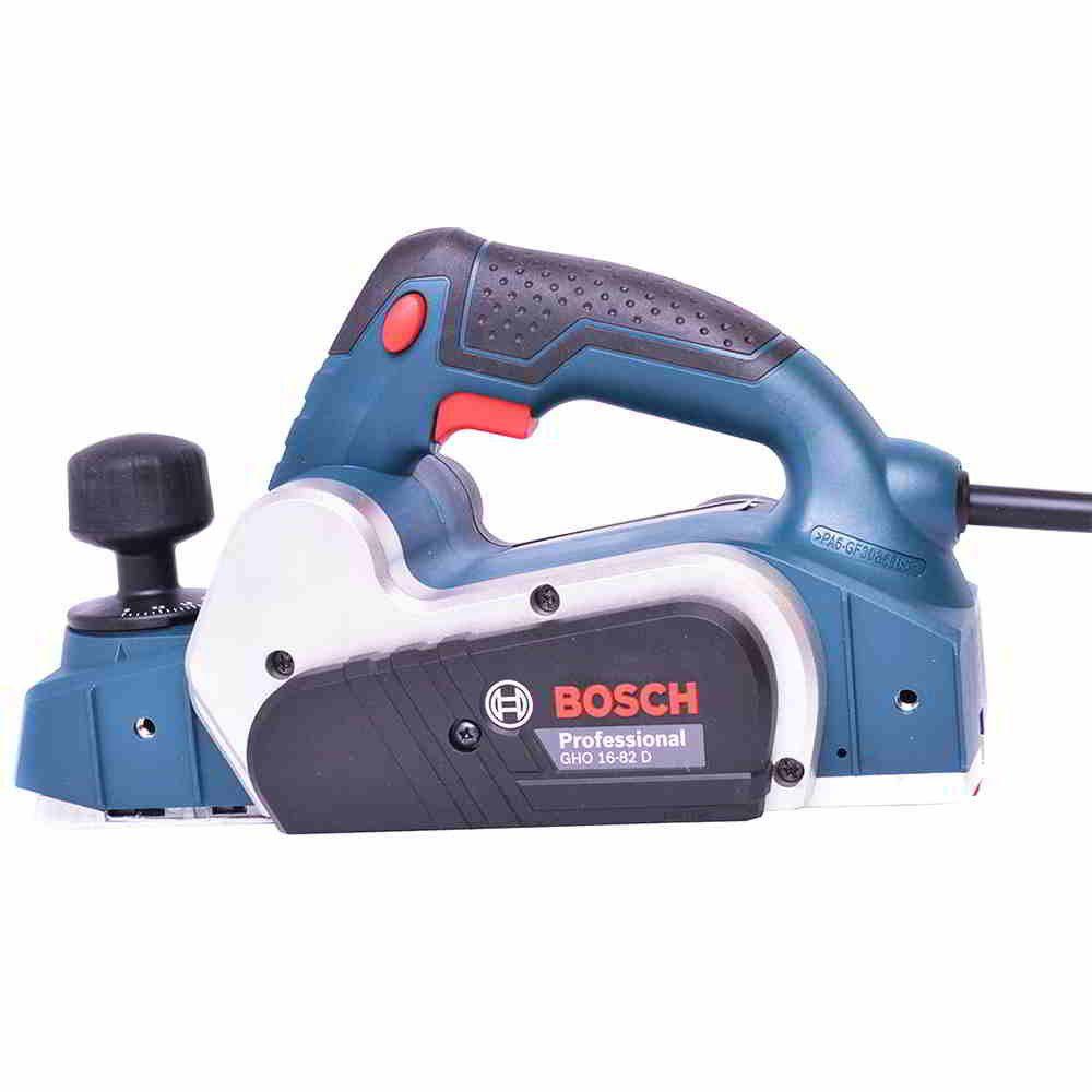 Plaina Elétrica 2,6mm 630W GHO 16-82 D Bosch