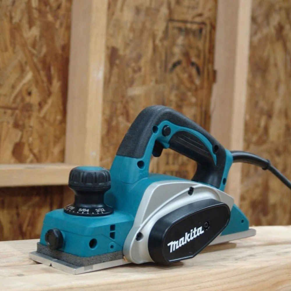 Plaina Reta 82mm KP0800 600W Makita