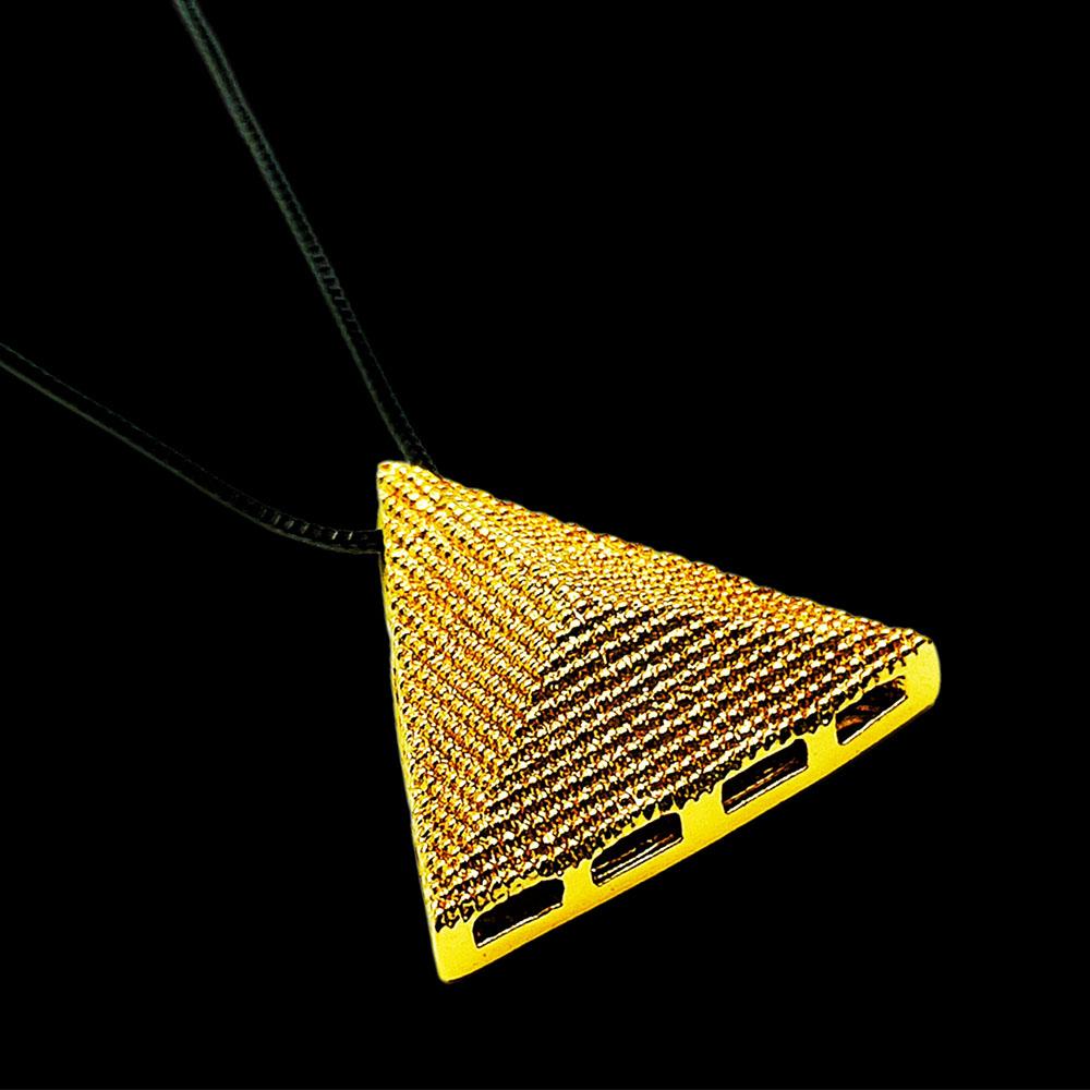 Colar Masculino Pirâmide Dourada