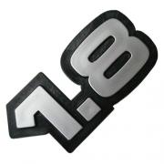 Emblema Adesivo - 1.8 - Chevrolet - Cinza/Cromado