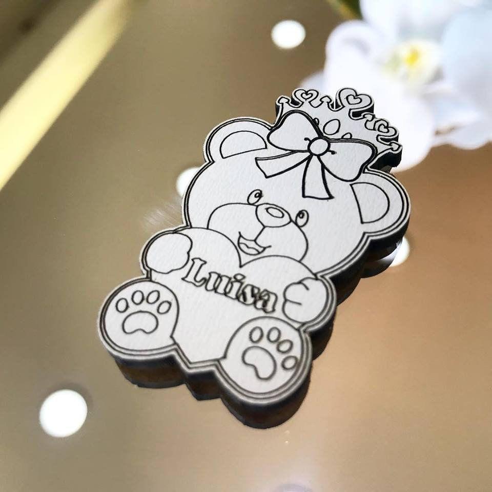 Ref. 002 - Ímãs de Geladeira Ursinha Princesa MDF Branco Lembrancinhas Nascimento Chá de Bebê