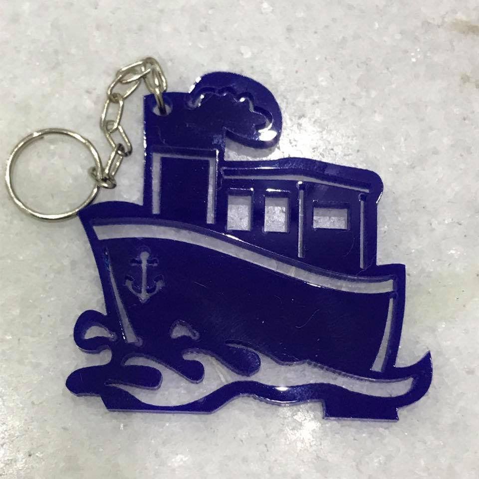 REF. 060 - Chaveiro Barco Acrílico Colorido Marinheiro