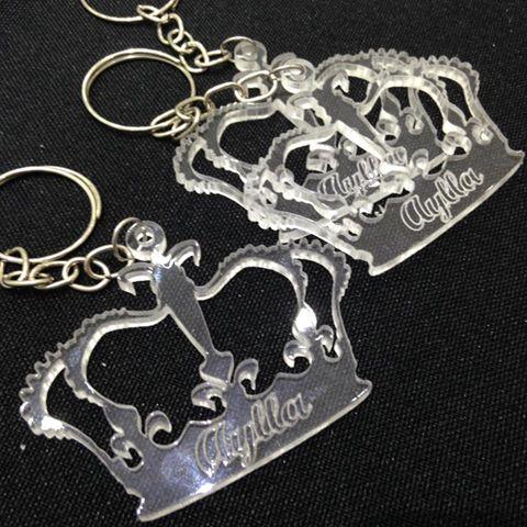KIT 30 PEÇAS - Chaveiro Coroa Príncipe ou Princesa Personalizado ACRÍLICO CRISTAL (R$ 1,70 cada)