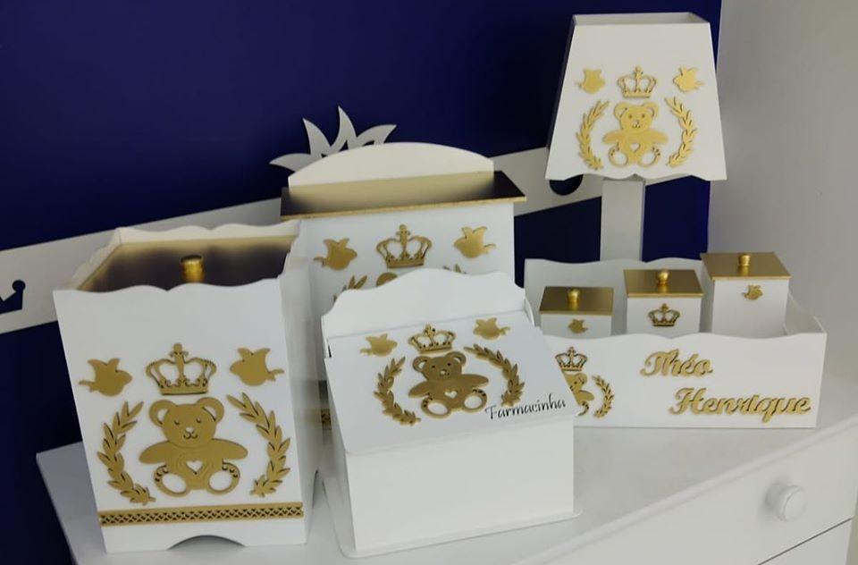 Kit Higiene 8 Peças Urso Príncipe Branco com Dourado Personalizado