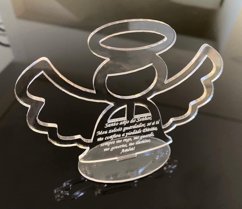 Kit Lembrancinhas de mesa 10cm Batizado Anjinho Acrílico Oração Santo Anjo Personalizado