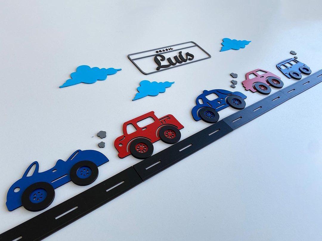 Kit Painel de Parede Completo 33 peças Carrinhos Personalizado Decoração Quarto do Bebê