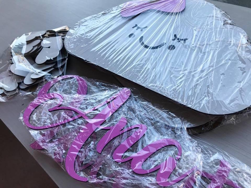 Kit Painel de Parede Nuvens Chuva de Amor Personalizado Menina - Nome e Lacinhos Coloridos