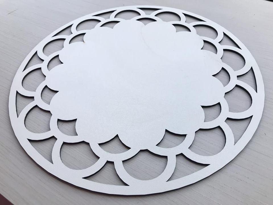 Ref. 004 - Sousplat Floral em MDF 35x35cm
