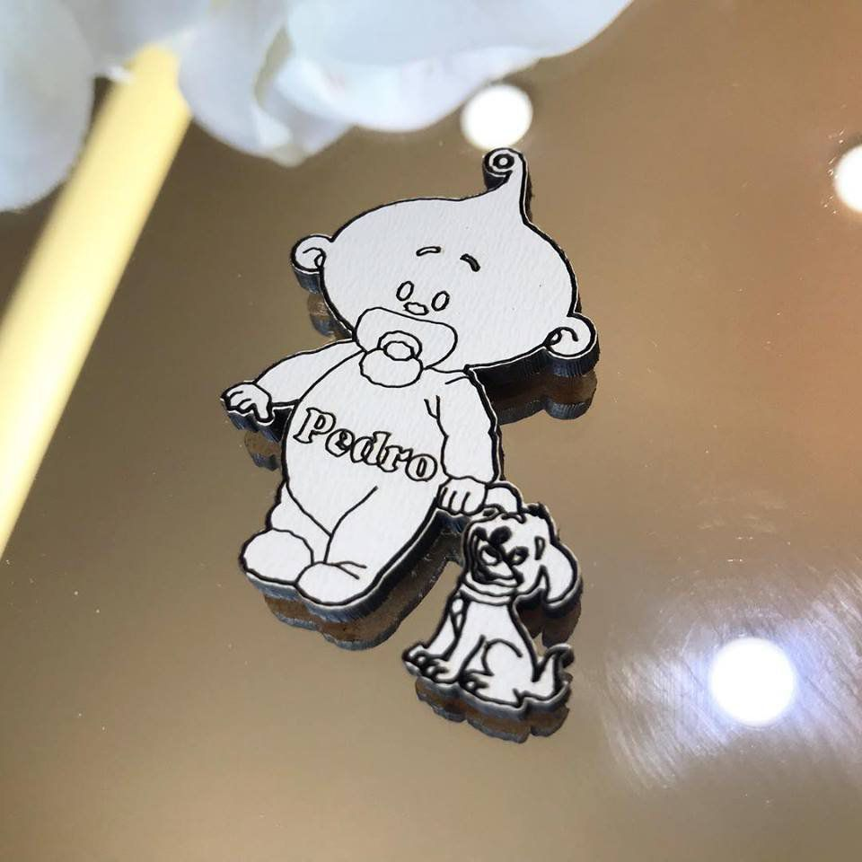 Ref. 041 - Ímãs de Geladeira Bebê com Cachorrinho MDF Branco Lembrancinhas Nascimento Chá de Bebê