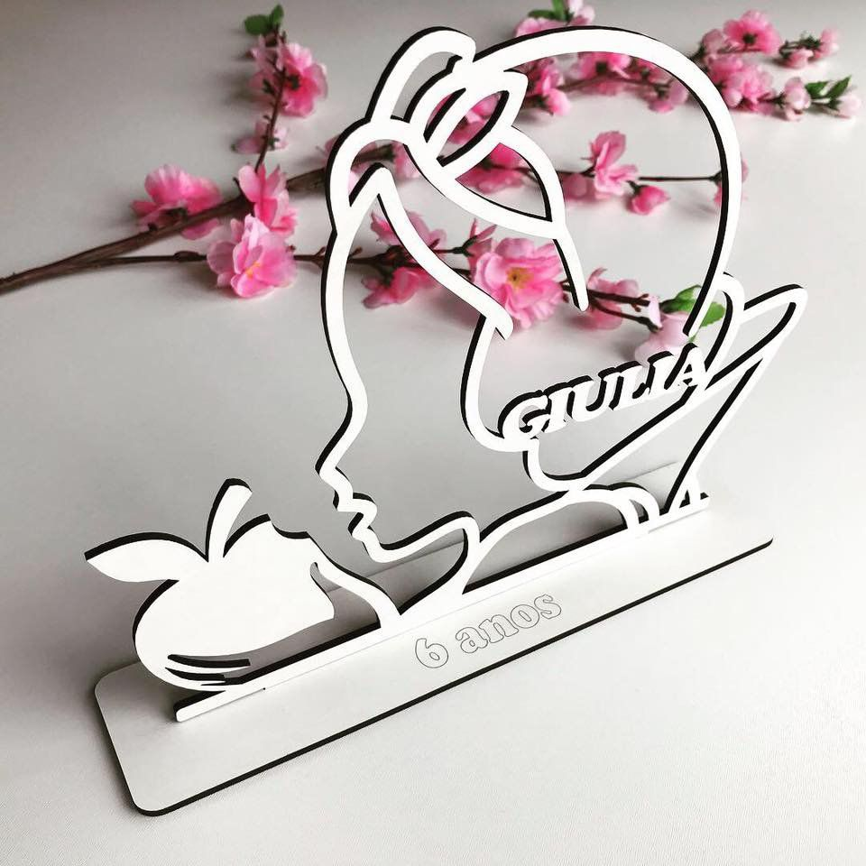 REF. 018 - Kit Lembrancinhas de mesa 10cm Branca de Neve MDF BRANCO