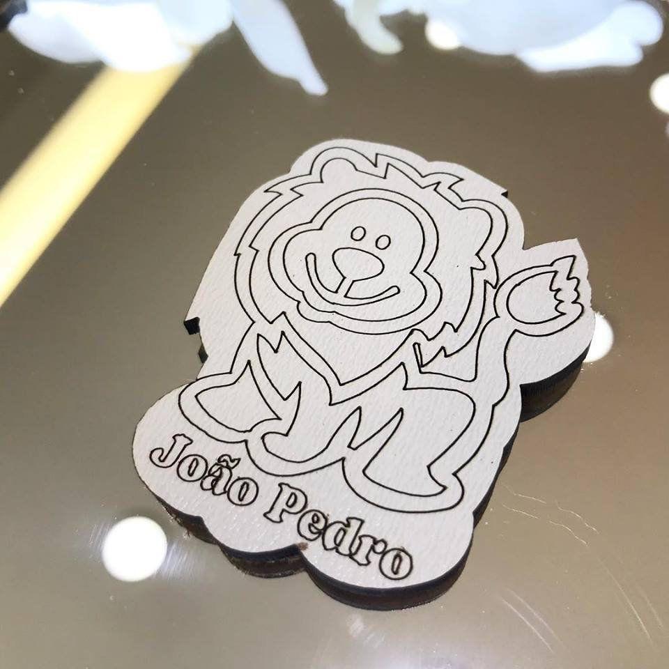 Ref. 045 - Ímãs de Geladeira Leão MDF Branco Lembrancinhas Nascimento Chá de Bebê