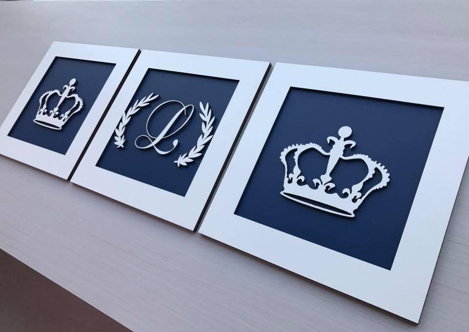 Trio de Quadros Coroas e Inicial Decoração Ambiente Quarto