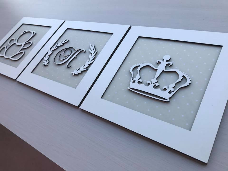 Trio de Quadros Urso Coroa e Inicial Decoração Quarto