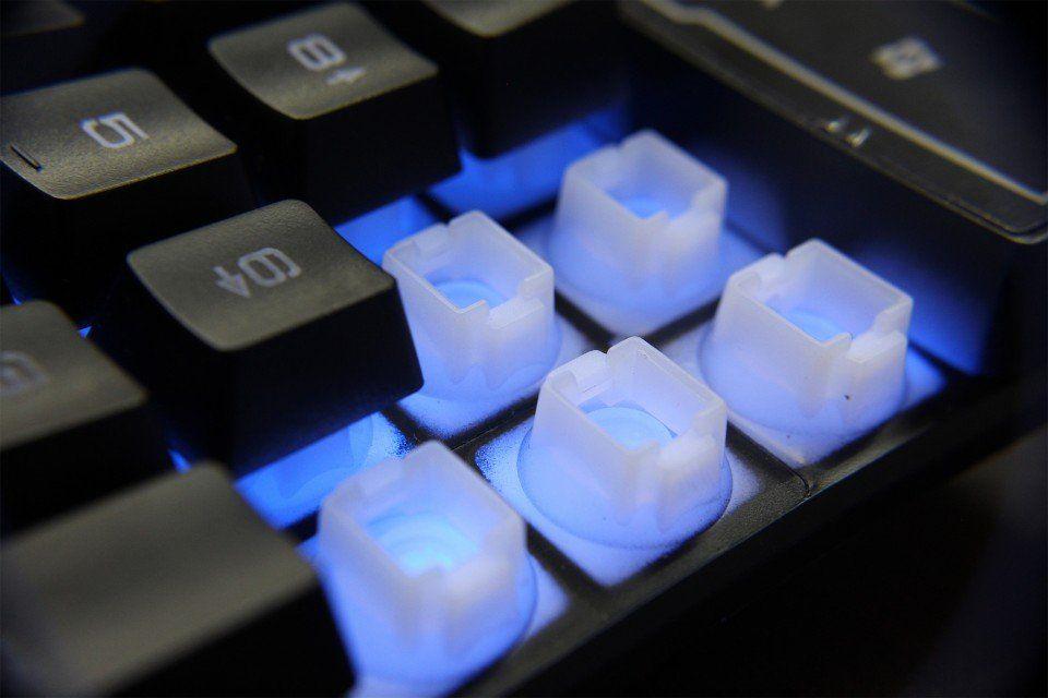 Teclado Gamer Semi Mecânico Iluminado Led 3 cores Hardline KB-7010