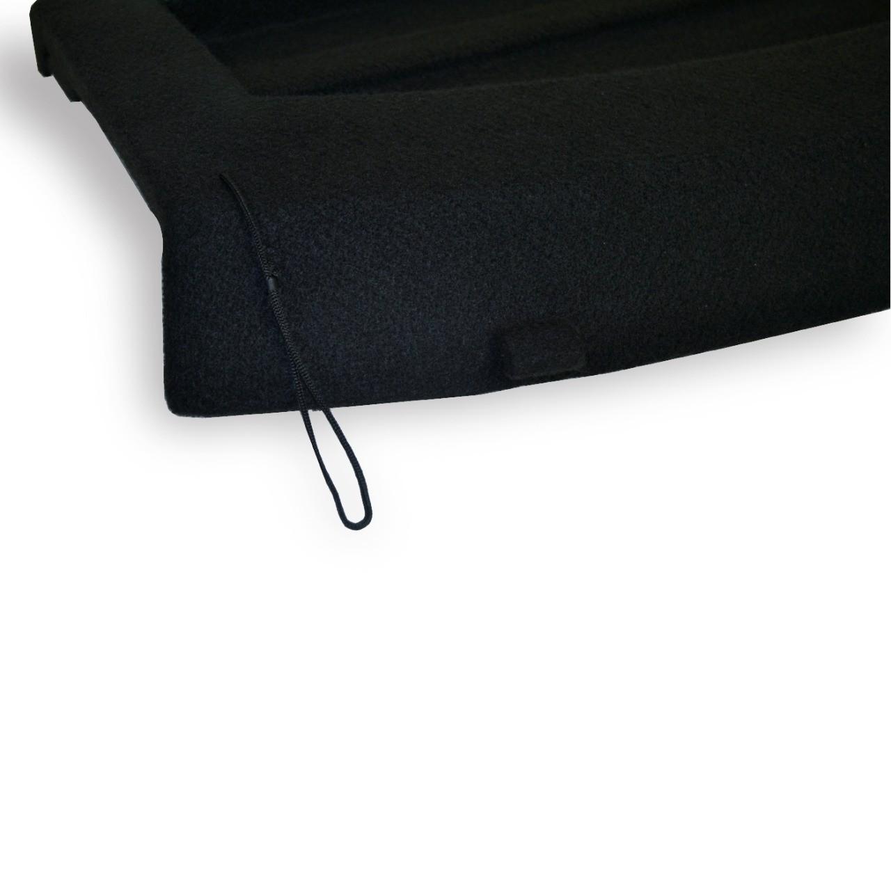 Tampão de Porta-Malas Tracker em Plástico PEAD com Carpete Preto
