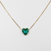 Gargantilha Coração Pedra Acrílica Maior Folheado a Ouro 18K