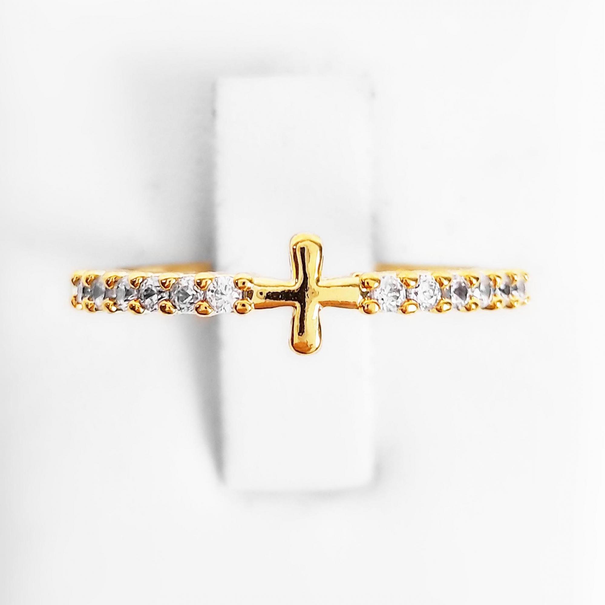 Anel Cruz Cravejado com Zircônias Folheado Ouro 18k  - Lunozê Joias