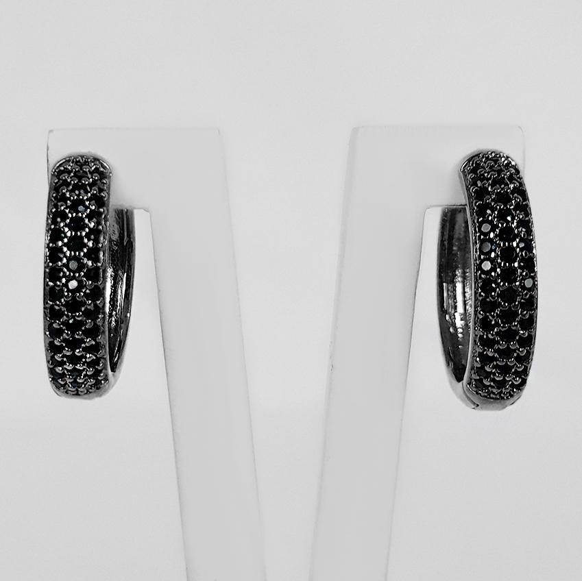 Brinco Argola 1,6cm 3 Filetes Zircônias Banho Ródio Negro  - Lunozê Joias