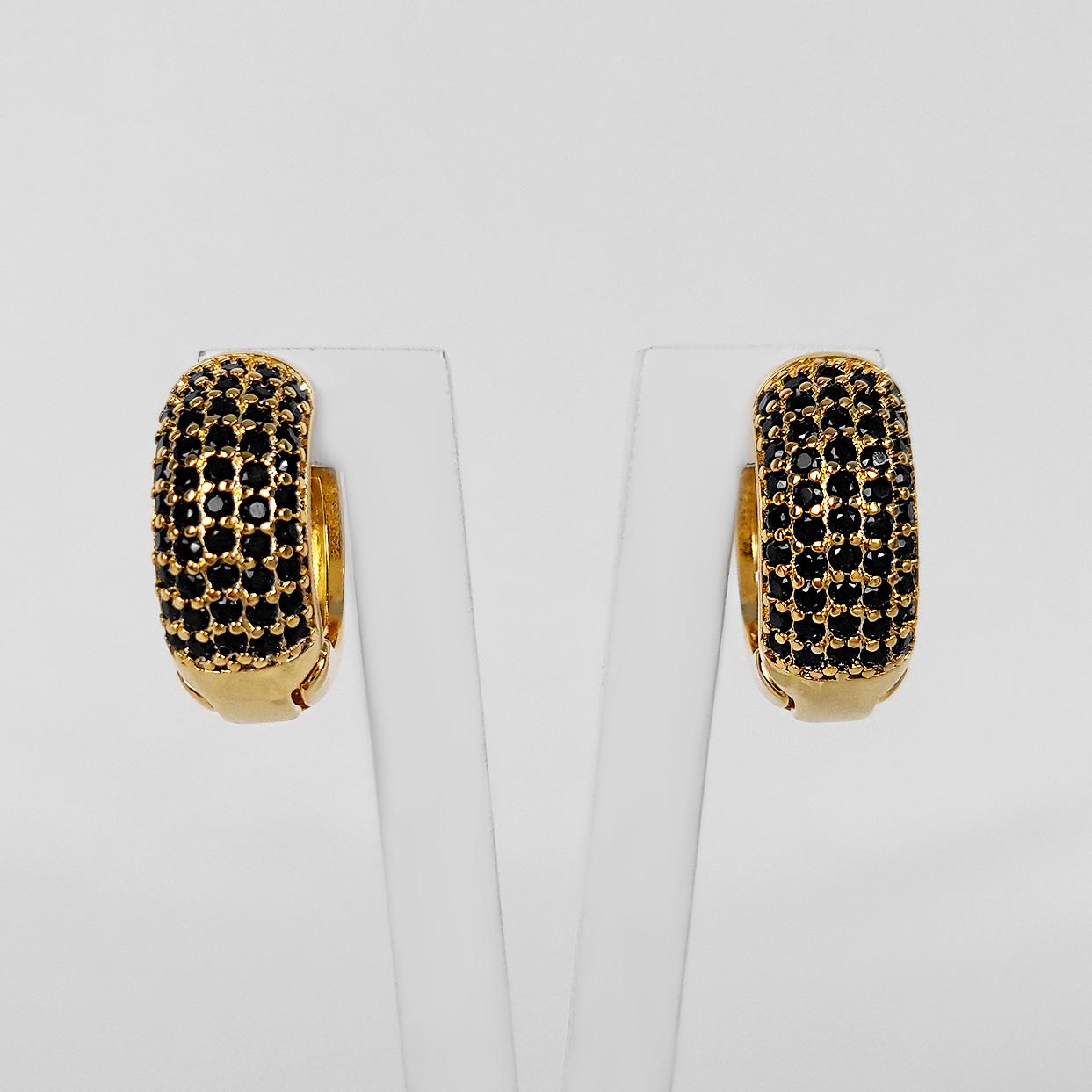 Brinco Argola 1,5cm 5 Filetes Zircônias Folheado a Ouro 18K  - Lunozê Joias