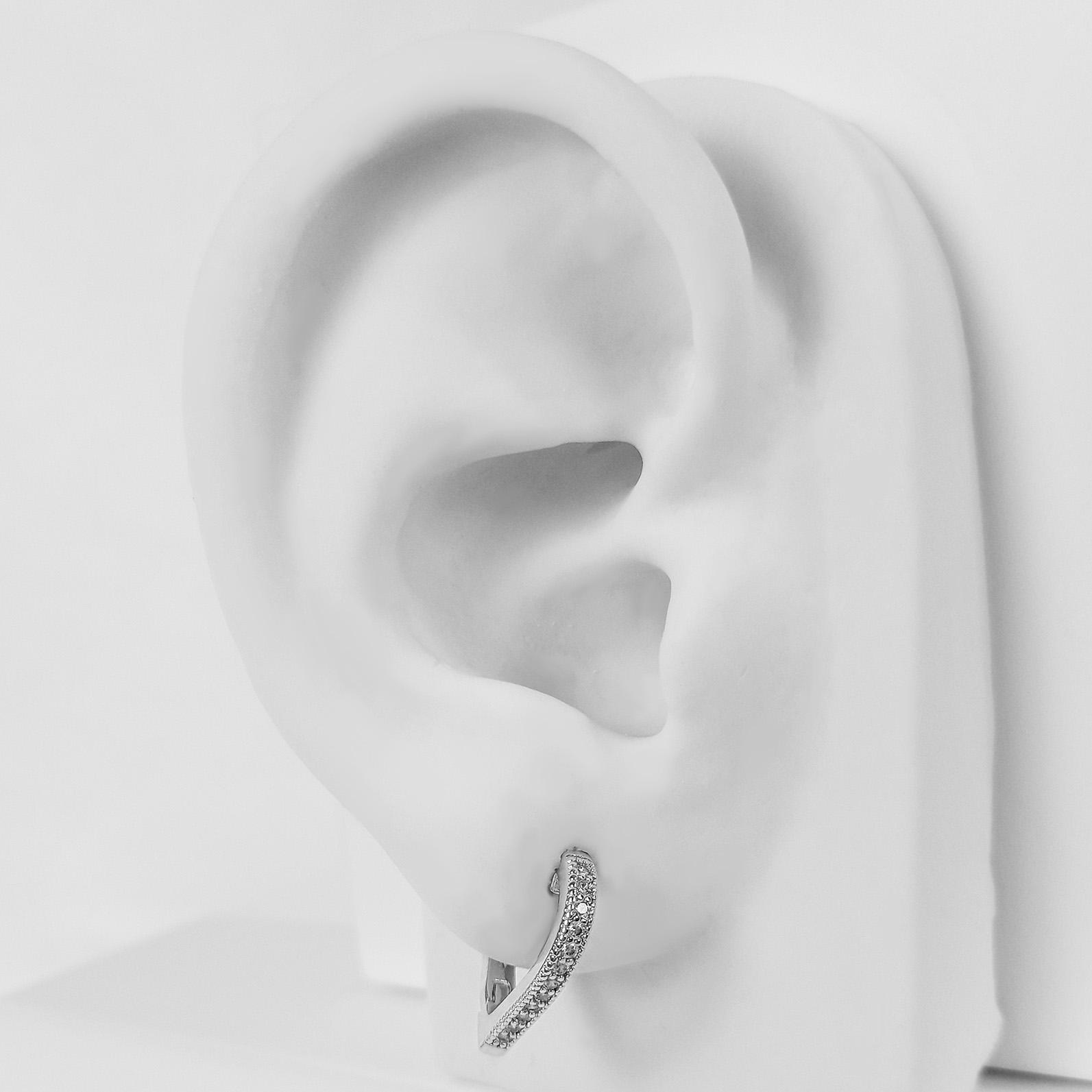 Brinco Argola Coração 1,6 cm Cravejado Folheado a Prata 1000  - Lunozê Joias