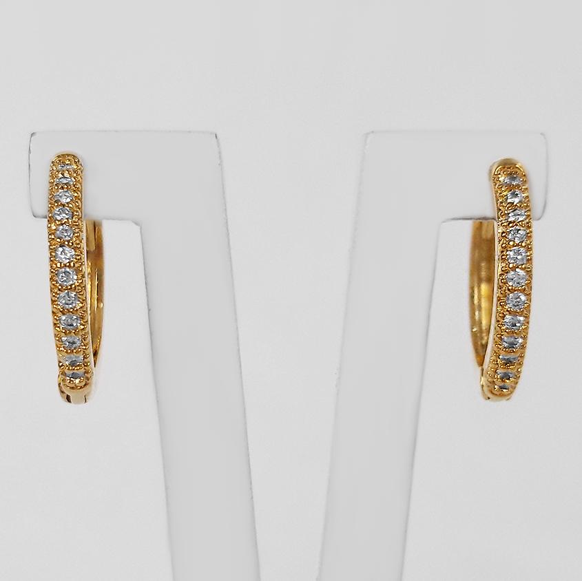 Brinco Argola Cravejada 1,4 cm Folheado a Ouro 18k  - Lunozê Joias
