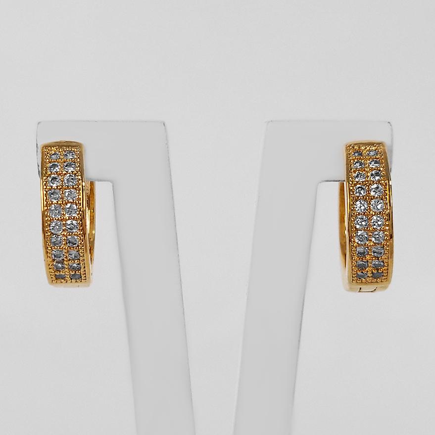 Brinco Argola Cravejada Zircônia 1,3 cm Folheado a Ouro 18k  - Lunozê Joias