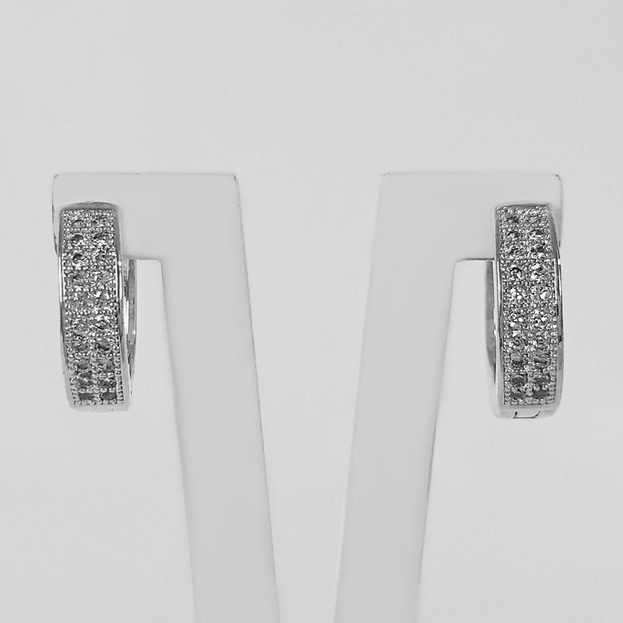 Brinco Argola Cravejada Zircônia 1,3 cm Folheado a Prata 1000  - Lunozê Joias