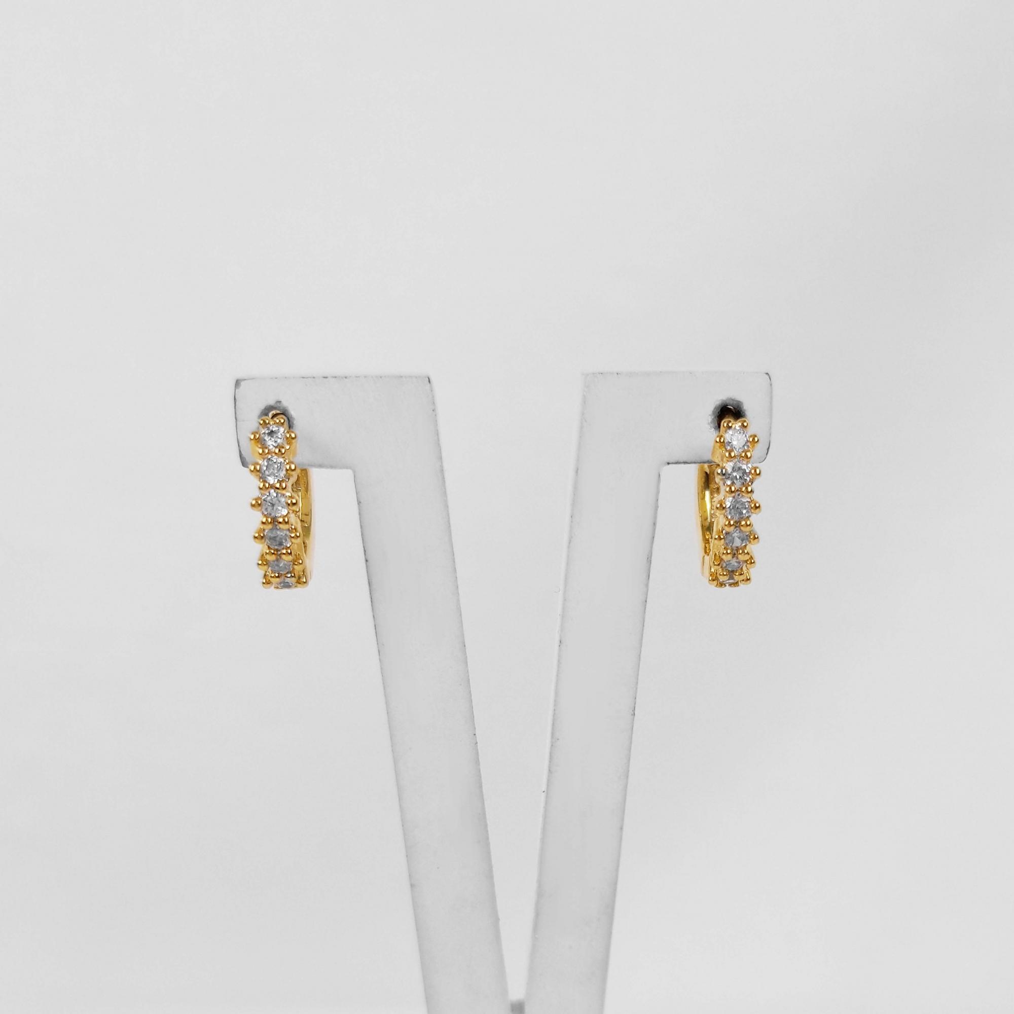 Brinco Argola Filete de Zircônia 1,1cm Folheado Ouro 18K  - Lunozê Joias
